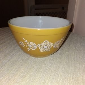 Vintage Pyrex Gold Butterfly Mixing Bowl  401 750ML